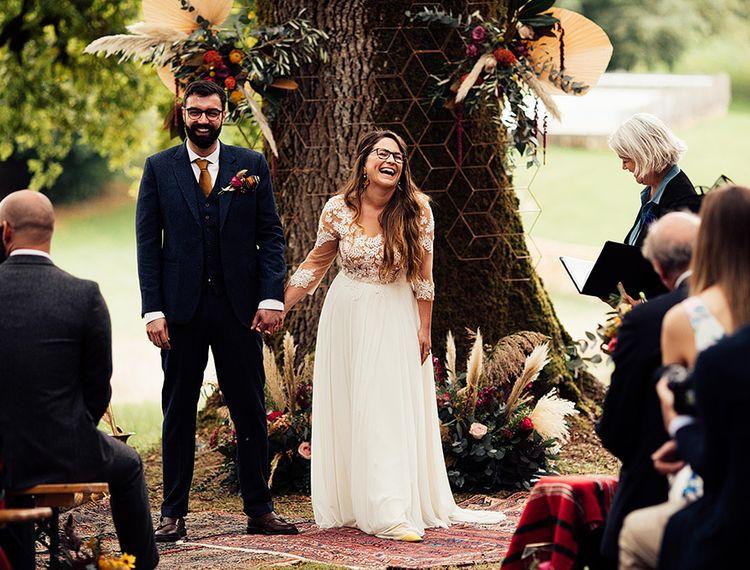 新郎和婚礼仪式和婚礼仪式上的婚礼#