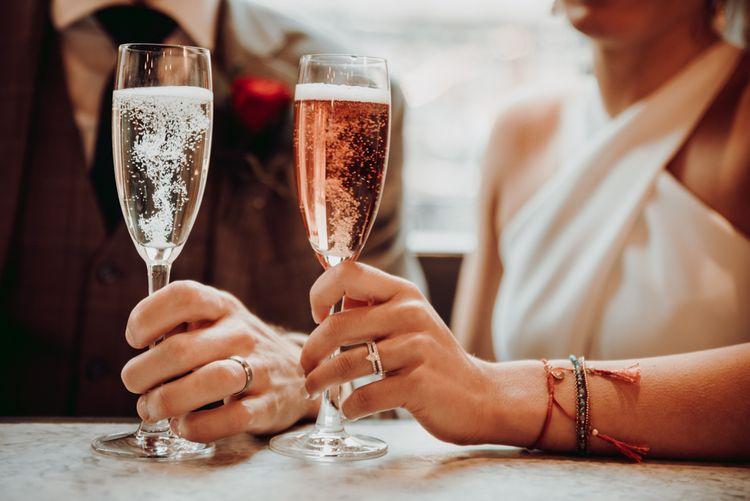 贴心微婚仪式后的香槟祝酒