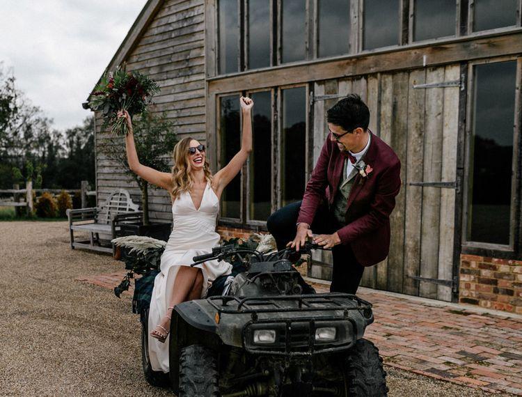 在新娘婚礼上,穿着睡衣和雪裙