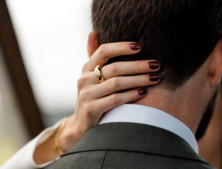 婚礼礼服的礼服,穿着婚纱礼服的新娘礼服