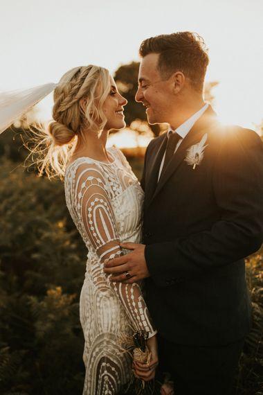 宽松的新娘辫子,适合微型婚礼
