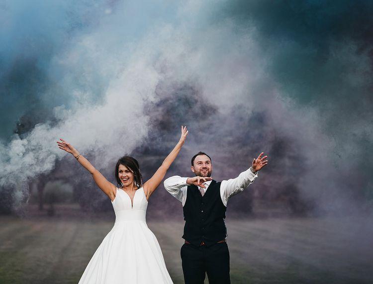 在新郎和婚礼上的婚礼
