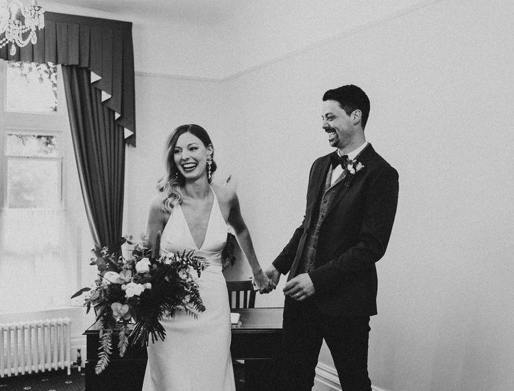 白新娘和新娘结婚了