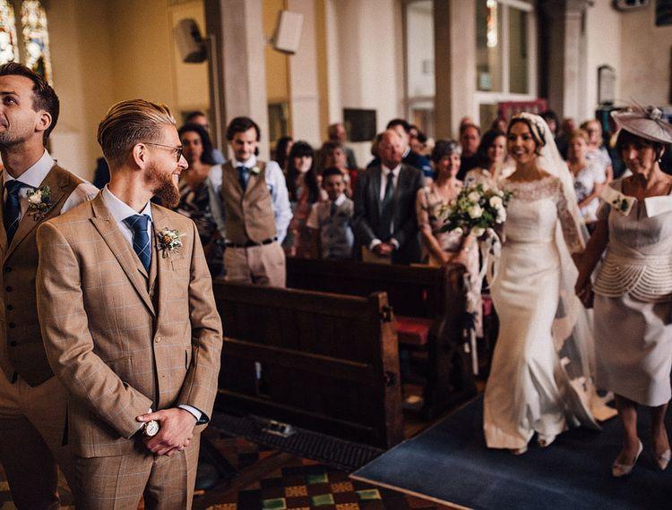婚礼仪式上的婚礼仪式上的婚纱礼服