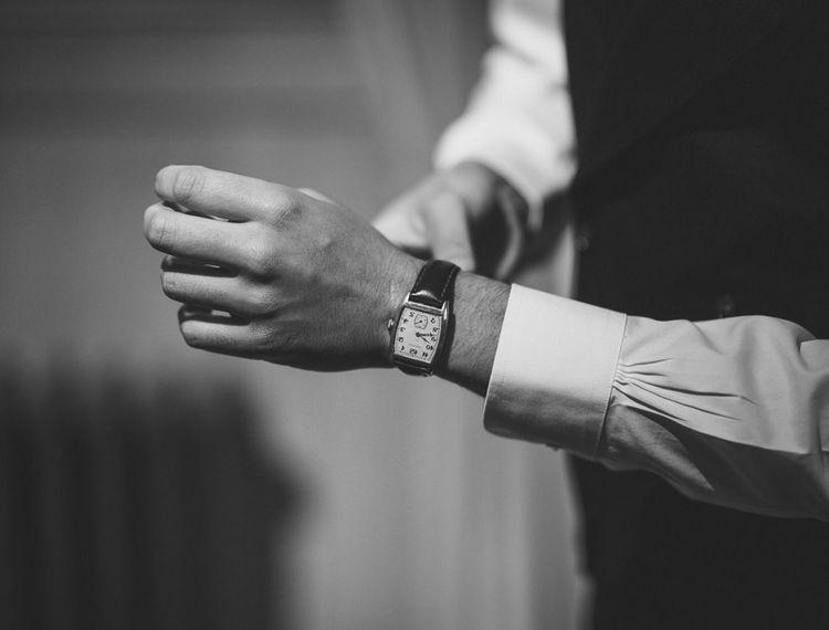 在他结束之前,新郎配件手表
