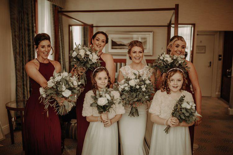 参加婚礼庆典和红裙和红裙和万圣节舞会