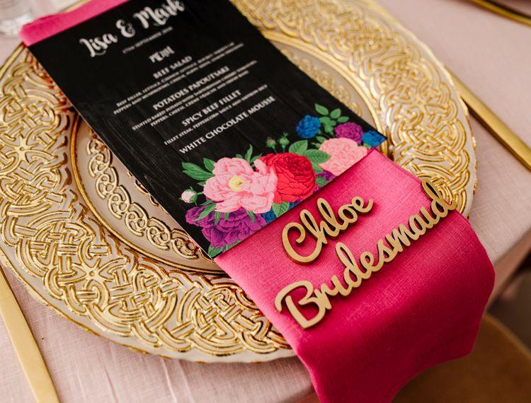 在粉色的床垫和GRB的名字上用了一张银色的纽扣