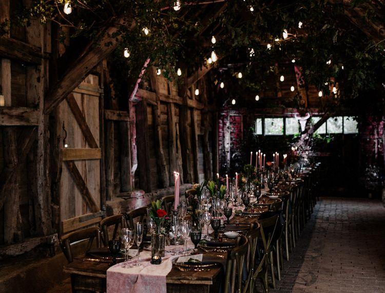 豪华轿车和屋顶装饰装饰和烛光晚餐