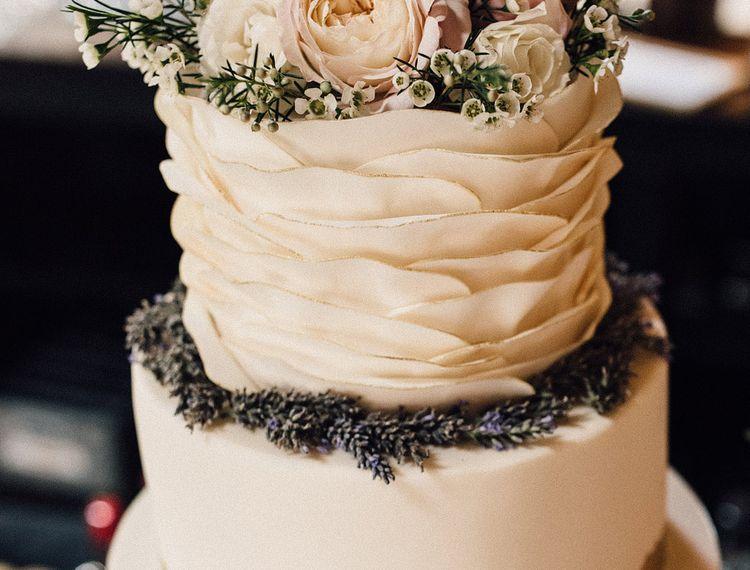 在婚礼蛋糕上,蛋糕蛋糕蛋糕上的蛋糕