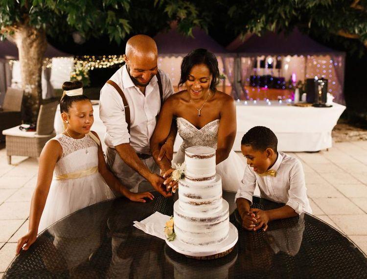 新郎和新郎婚礼蛋糕