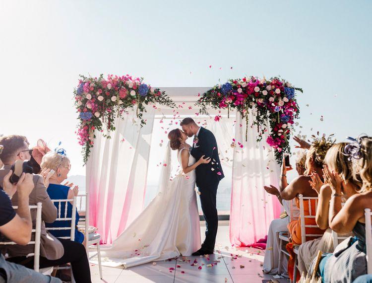 你现在的新娘新娘在婚礼上了