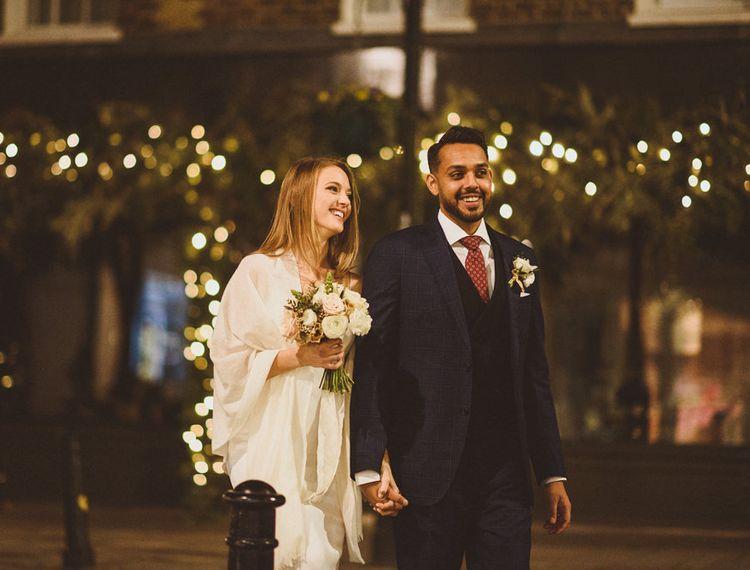 令人惊叹的新娘和新郎在圣诞节婚礼在切尔西,伦敦