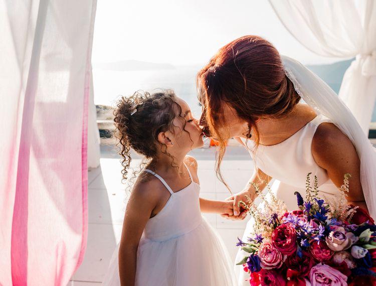亲吻新娘的裙子