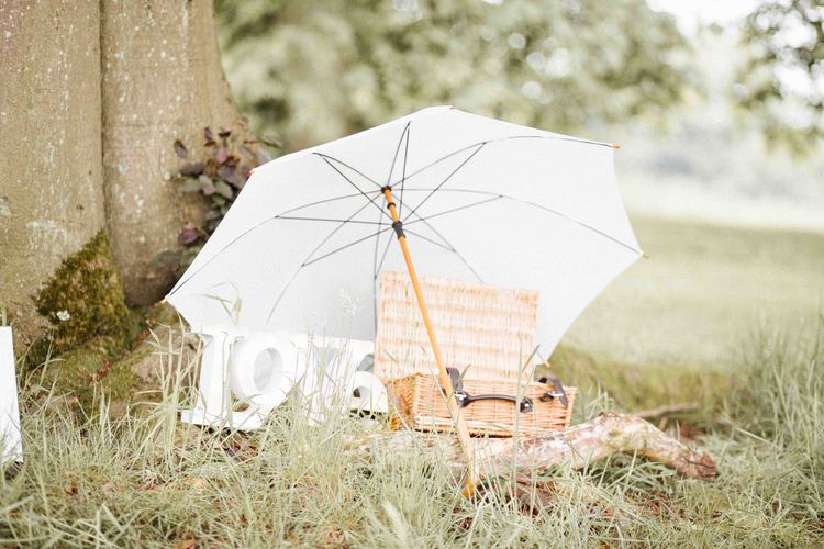Parasol & Picnic Basket Wedding Decor