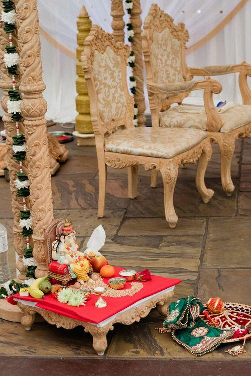 Hindu Wedding Ceremony Atar | English & Asian Wedding at Northbrook Park | Claudia Rose Carter