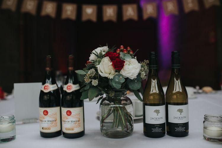 Red & White Floral Centrepiece | Errol Park Wedding | Jen Owens Images