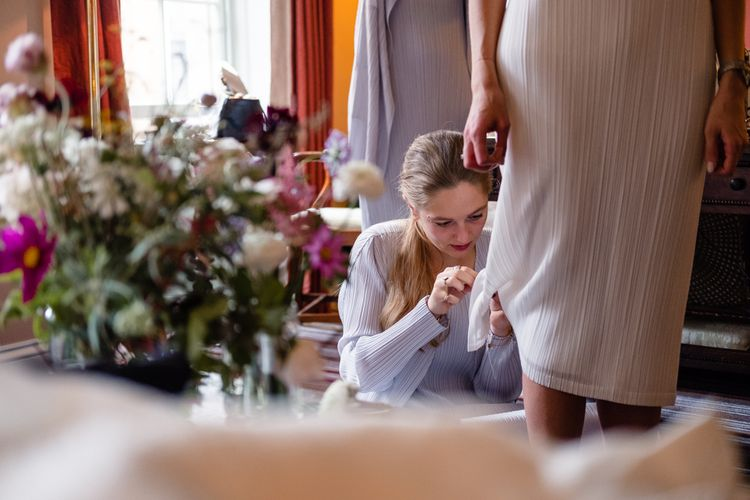 Wedding Morning Bridal Preparations | Chic London Wedding at St Bartholomew the Great Church & St John Bar & Restaurant | Helen Abraham Photography