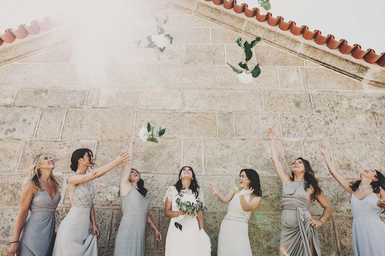 Alternative Wedding Group Shots // Image By Ali Paul Photography