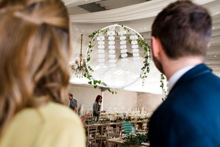 Floral Hoop Table Plan