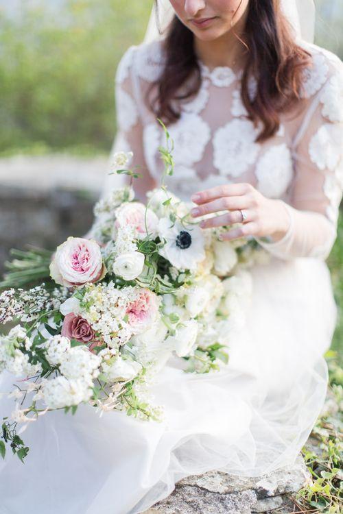 Oversized Wild & Organic Bouquet In Pale Tones