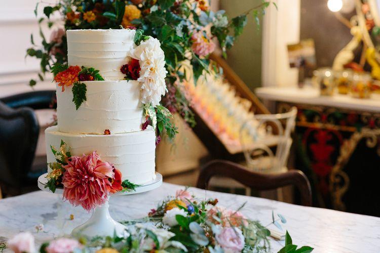 Elegant Wedding Cake   The Roost London Wedding Venue   Christine Wehrmeier Photography