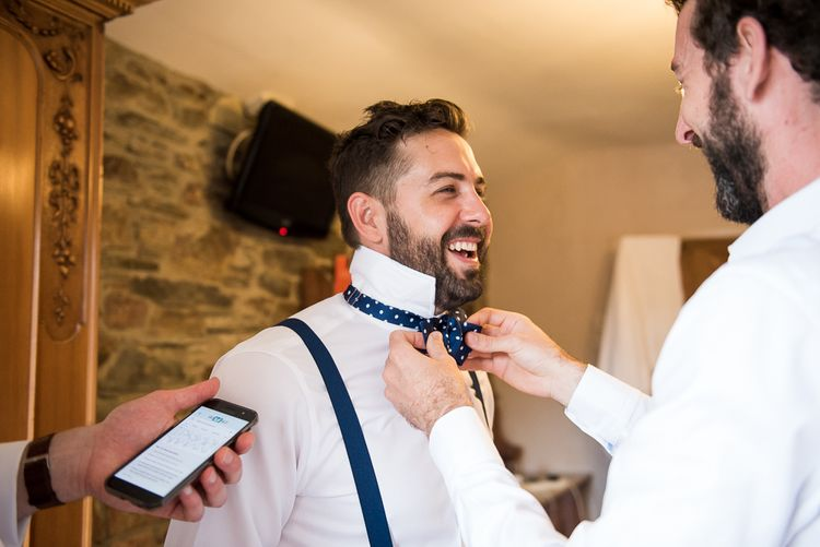 Groomsmen Preparations | Coastal Wedding at Driftwood Spas St Agnes, Cornwall | Jessica Grace Photography