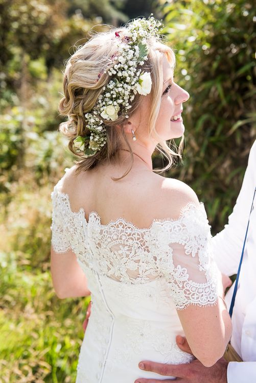 Bride in Lace Wedding Dress | Coastal Wedding at Driftwood Spas St Agnes, Cornwall | Jessica Grace Photography