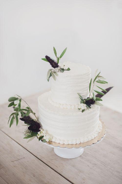 Elegant Minimal White Wedding Cake