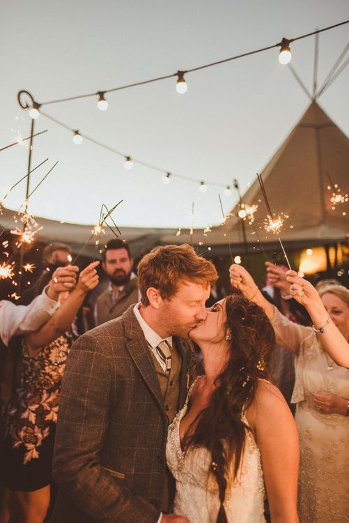 Sparklers | PapaKåta Tipi at Angrove Park North Yorkshire | Matt Penberthy Photography
