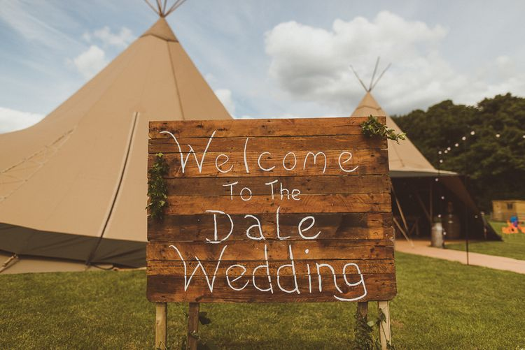 Wooden Wedding Sign | PapaKåta Tipi at Angrove Park North Yorkshire | Matt Penberthy Photography