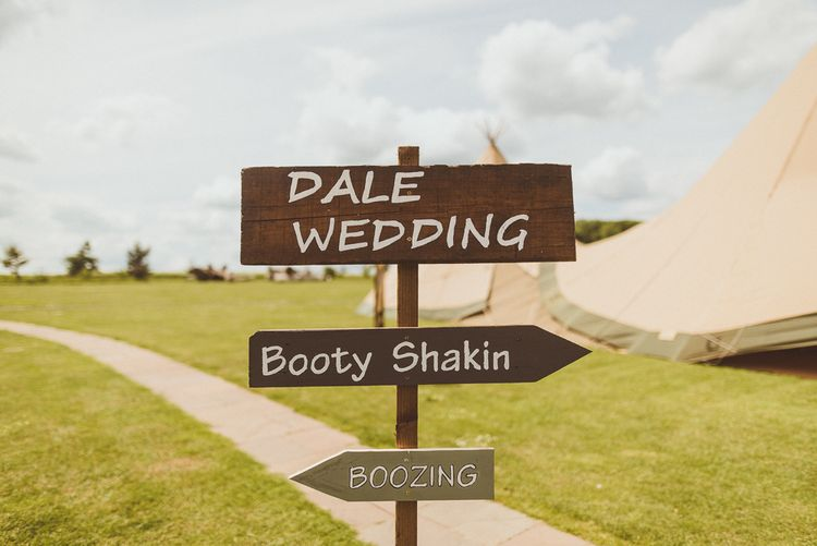 Wedding Signs | PapaKåta Tipi at Angrove Park North Yorkshire | Matt Penberthy Photography