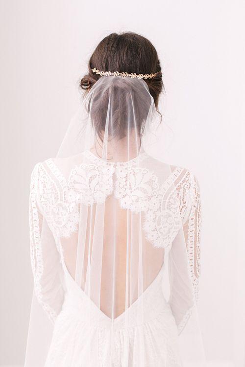 Avani mini gold leaf wedding hair vine