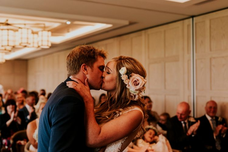 Wedding Ceremony | Coppa Club, Sonning | Lace Lillian West Wedding Dress | Benjamin Stuart Photography