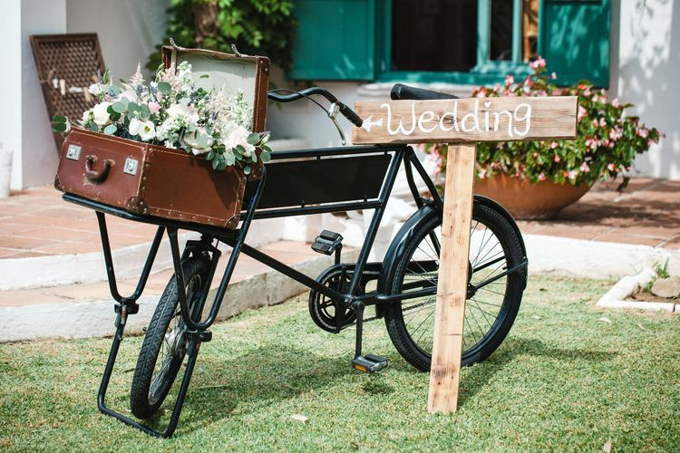 Vintage Bicycle Wedding Decor   Planned by Rachel Rose Weddings   Radka Horvath Photography