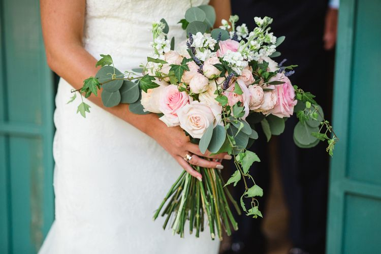 Blush Bouquet   Planned by Rachel Rose Weddings   Radka Horvath Photography