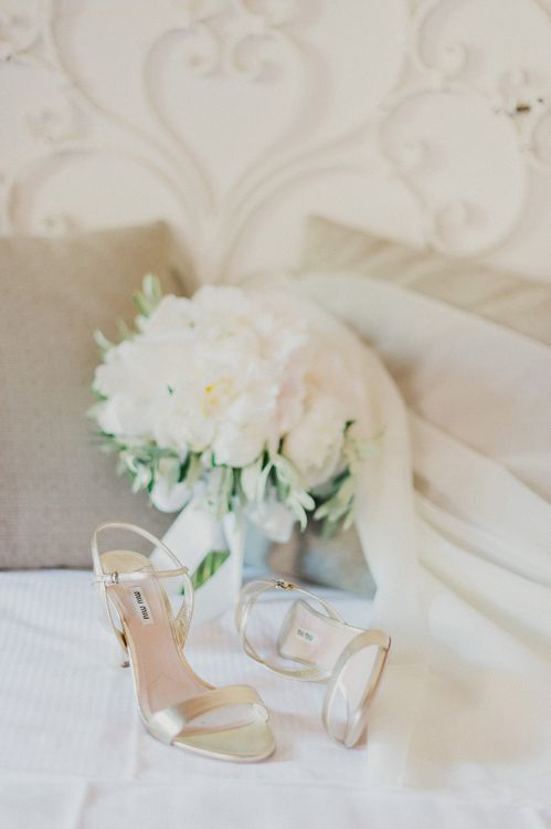 White Peony Bouquey | Intimate Destination, Family Wedding Planned by The Knot in Italy Weddings at Castello Il Palagio , Italy | Linda Nari Photography