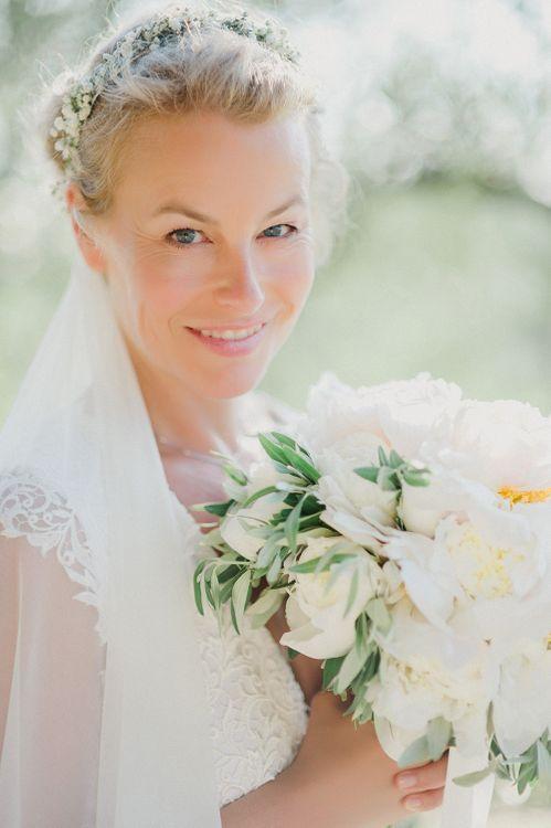 Bride in Monique L'Huillier Skirt, Bridal Separates | White Peony Bouquet | Linda Nari Photography