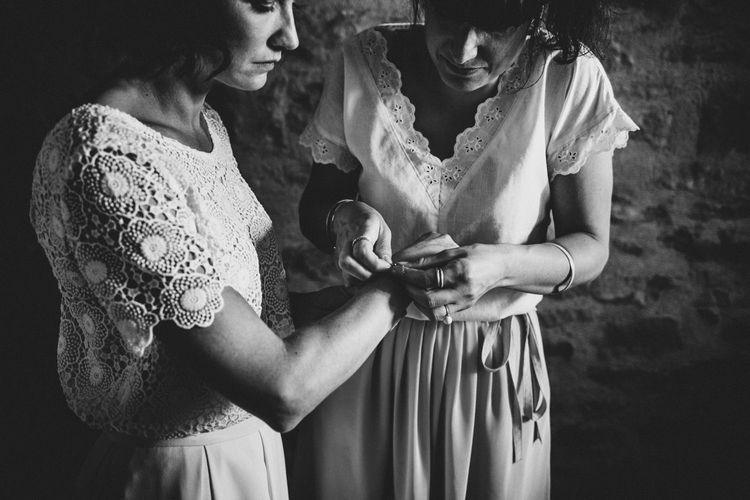 Wedding Morning Preparations | Chic Rustic French Wedding at Le Morimont Styled by Féelicité | Photography by Chloe
