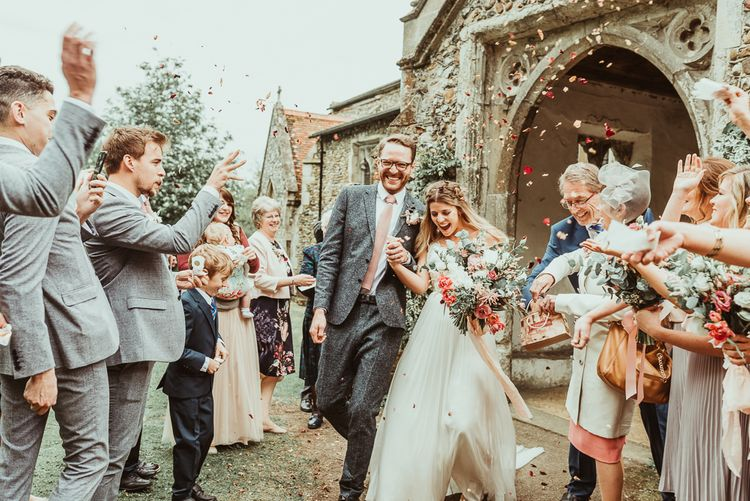 Confetti Moment | Bride in Catherine Deane Separates | Groom in Reiss Suit | DIY At Home Marquee Reception | Jess Soper Photography