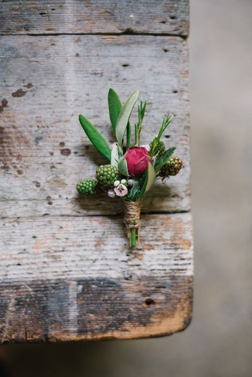 Buttonhole | Bright Woodland Wedding in Italy Planned & Styled by Le Jour du Oui | Infraordinario Wedding Photography | Mani Films