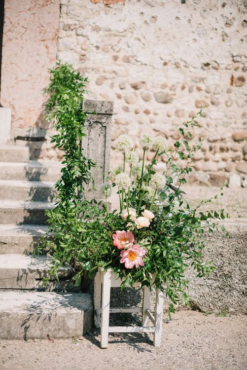 Wild Flower Arrangement | Bright Woodland Wedding in Italy Planned & Styled by Le Jour du Oui | Infraordinario Wedding Photography | Mani Films