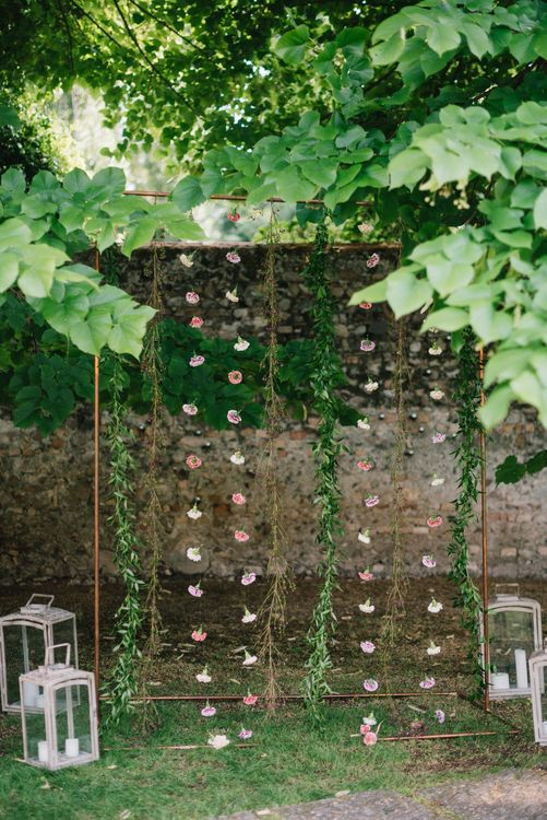 Hanging Flower Stems Wedding Decor | Bright Woodland Wedding in Italy Planned & Styled by Le Jour du Oui | Infraordinario Wedding Photography | Mani Films