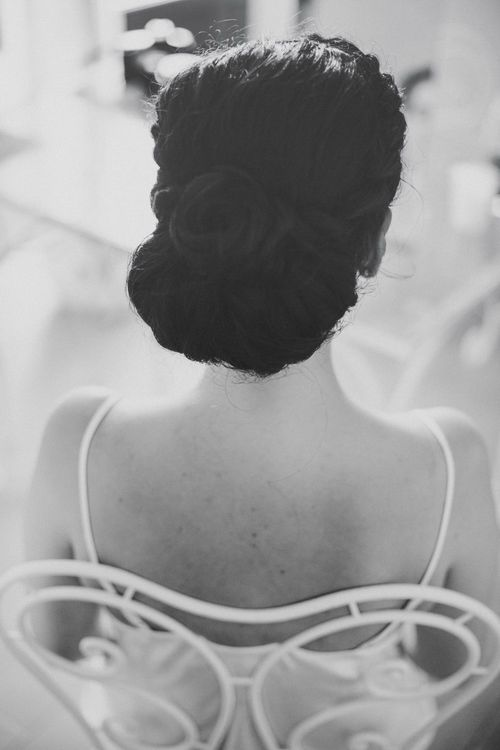 Twisted Bun Bridal Hairstyle | Bright Woodland Wedding in Italy Planned & Styled by Le Jour du Oui | Infraordinario Wedding Photography | Mani Films
