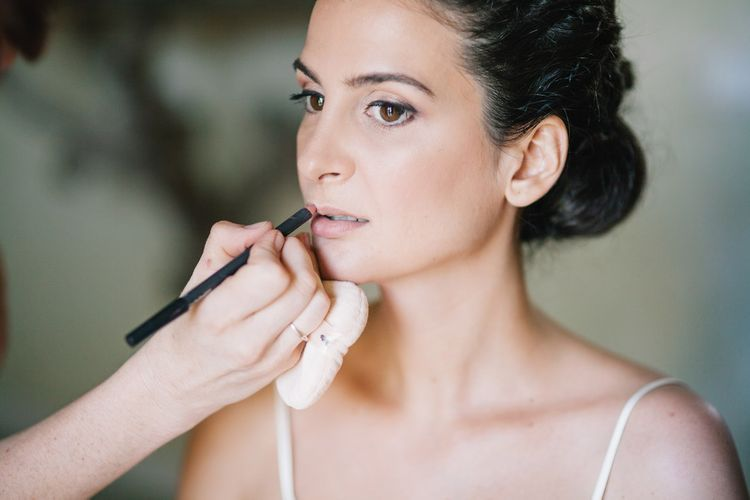 Flawless Wedding Makeup | Bright Woodland Wedding in Italy Planned & Styled by Le Jour du Oui | Infraordinario Wedding Photography | Mani Films