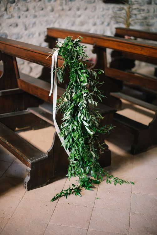 Greenery Aisle Wedding Decor | Bright Woodland Wedding in Italy Planned & Styled by Le Jour du Oui | Infraordinario Wedding Photography | Mani Films
