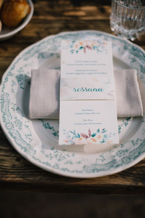 Place Setting & Menu Card | Bright Woodland Wedding in Italy Planned & Styled by Le Jour du Oui | Infraordinario Wedding Photography | Mani Films