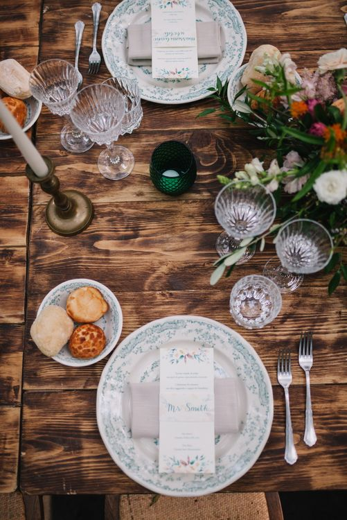 Wedding Table Decor | Boho Styling | Bright Woodland Wedding in Italy Planned & Styled by Le Jour du Oui | Infraordinario Wedding Photography | Mani Films