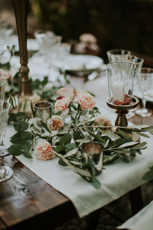 Elegant Tablescape   Tuscan Wedding Planned by Romeo & Juliet Weddings   D&A Photography   Ben Walton Films