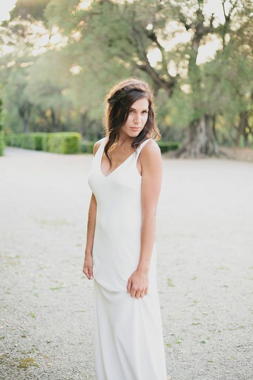Bride in Charlie Brear | Greenery on the French Riviera | Purewhite Photography | D'amour et de deco Styling