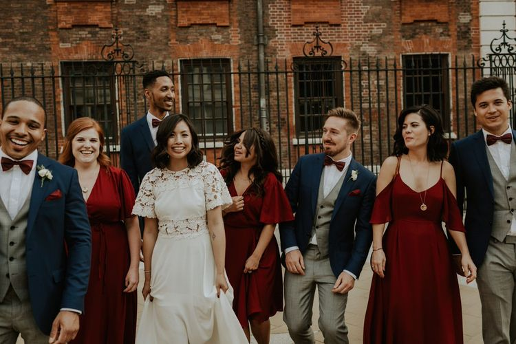 Alternative Wedding Group Shots // Image By The Curries
